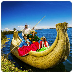 Totora boat tour around Uros