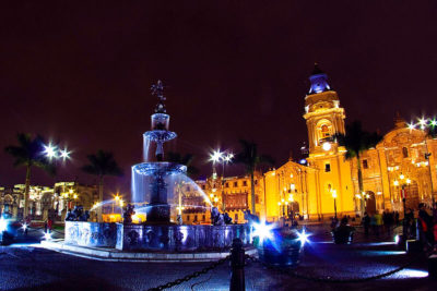 Tour to Lima by night and Dinner Show
